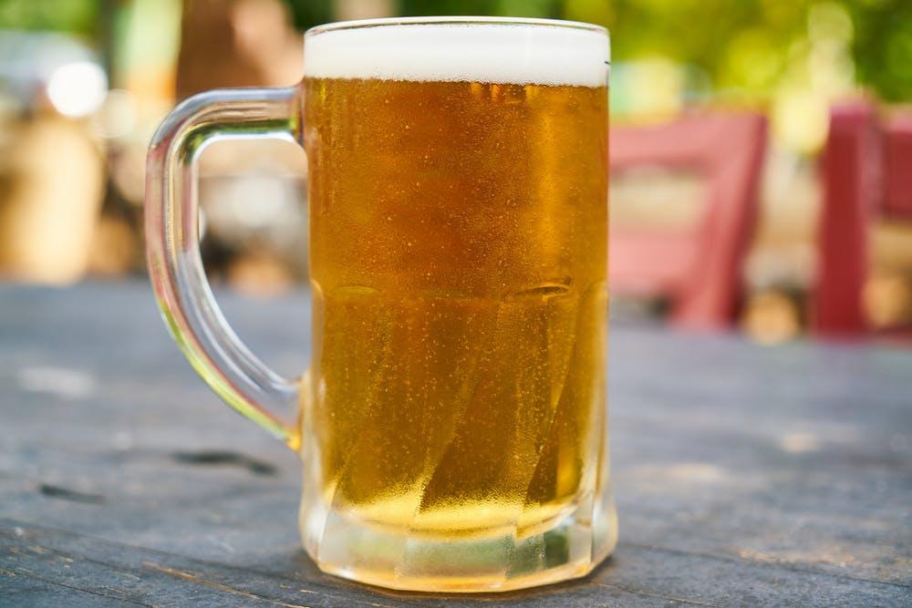 domače točeno pivo emonec terasa